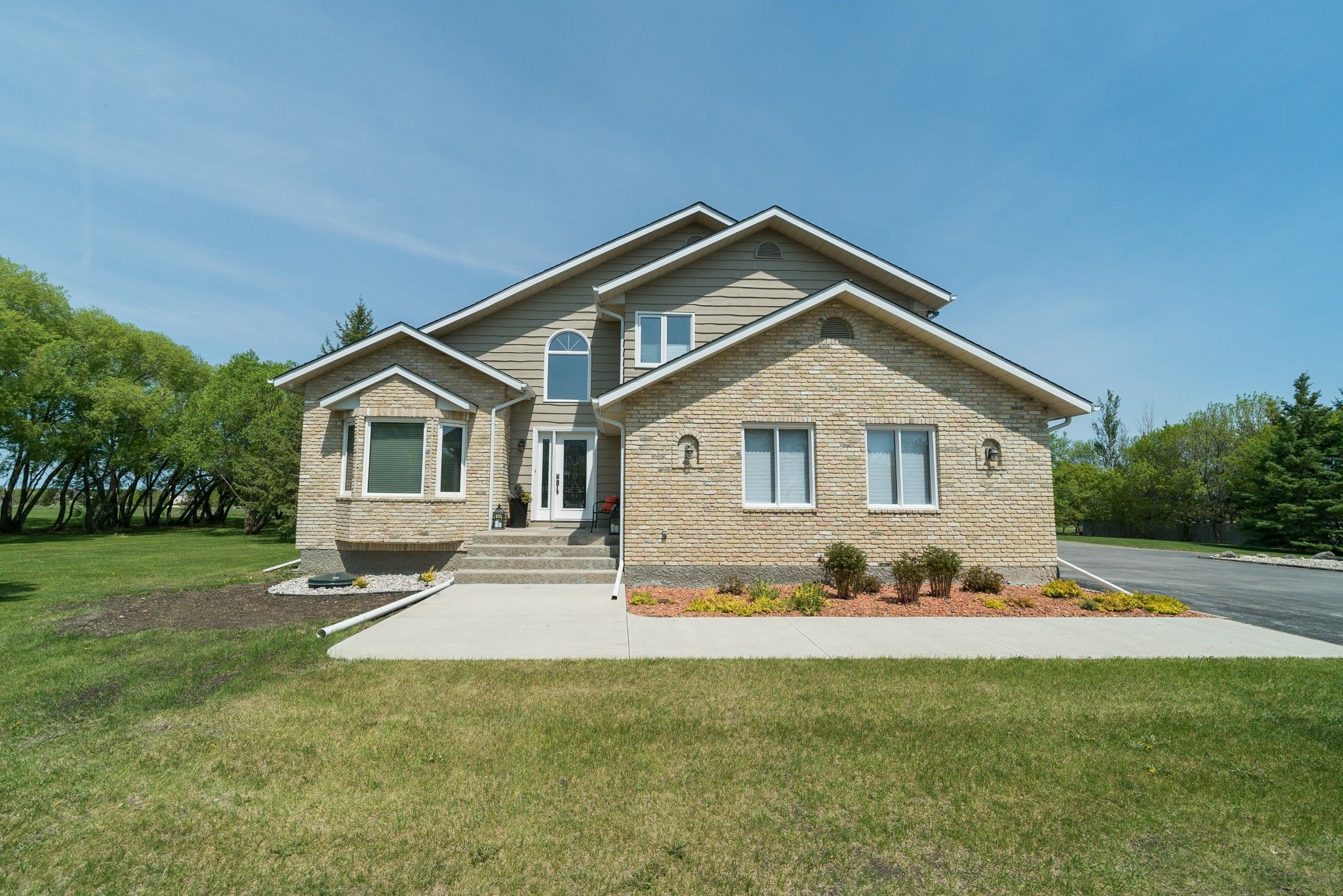 Main Photo: 3 HAY Avenue in St Andrews: R13 Residential for sale : MLS®# 1914360