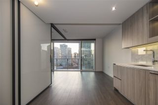 """Photo 10: 1603 89 NELSON Street in Vancouver: Yaletown Condo for sale in """"THE ARC"""" (Vancouver West)  : MLS®# R2411058"""