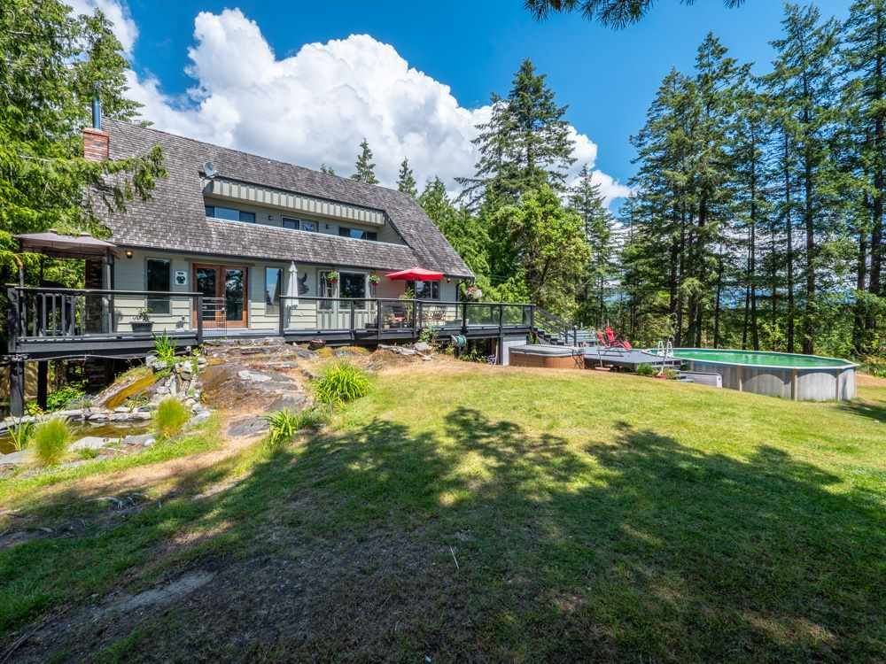 "Main Photo: 6801 NORWEST BAY Road in Sechelt: Sechelt District House for sale in ""West Sechelt"" (Sunshine Coast)  : MLS®# R2260668"