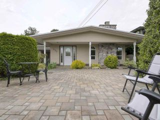 """Photo 11: 233 67 Street in Tsawwassen: Boundary Beach House for sale in """"Bounday Bay"""" : MLS®# R2455324"""