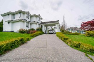 Photo 2: 7383 151A Street in Surrey: East Newton House for sale : MLS®# R2575342