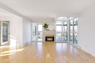 """Photo 7: PH2C 2988 ALDER Street in Vancouver: Fairview VW Condo for sale in """"Shaughnessy Gate"""" (Vancouver West)  : MLS®# R2542622"""