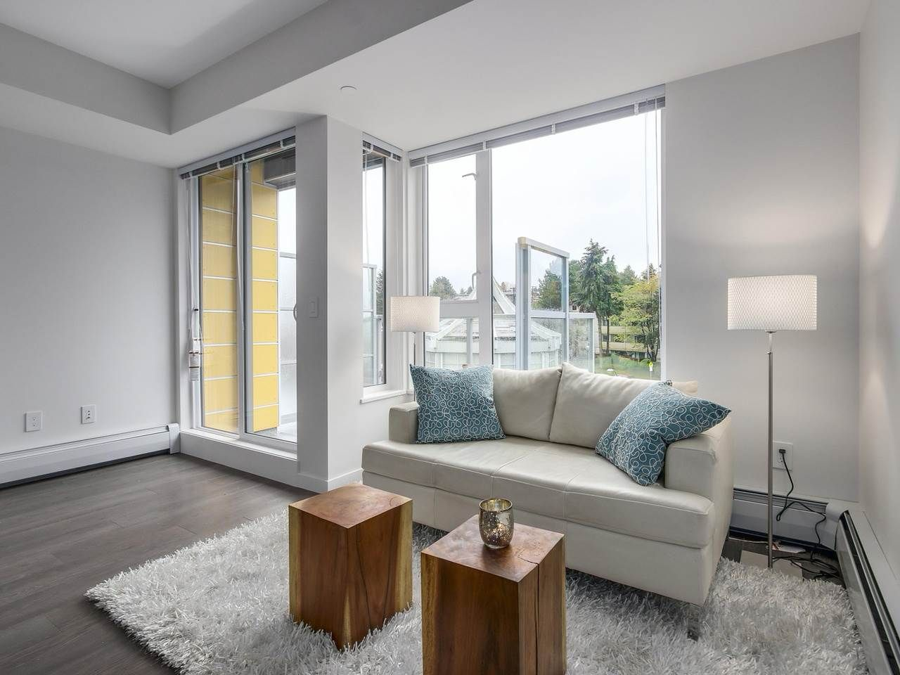 """Photo 3: Photos: 604 417 GREAT NORTHERN Way in Vancouver: Mount Pleasant VE Condo for sale in """"CANVAS"""" (Vancouver East)  : MLS®# R2118078"""