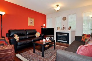 """Photo 2: 304 1189 WESTWOOD Street in Coquitlam: North Coquitlam Condo for sale in """"LAKESIDE TERRACE"""" : MLS®# R2416866"""