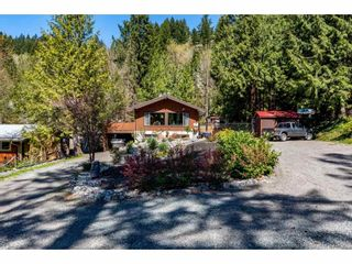 Photo 1: 50855 WINONA Road in Chilliwack: Chilliwack River Valley House for sale (Sardis)  : MLS®# R2570697