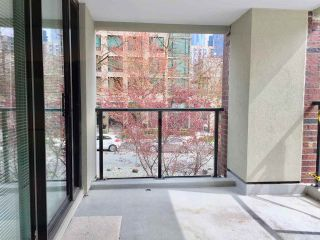 """Photo 6: 204 1010 BURNABY Street in Vancouver: West End VW Condo for sale in """"THE ELLINGTON"""" (Vancouver West)  : MLS®# R2258378"""