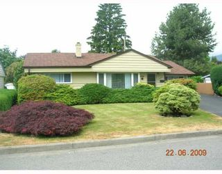 """Photo 1: 1269 DOGWOOD Crescent in North_Vancouver: Norgate House for sale in """"NORGATE"""" (North Vancouver)  : MLS®# V773935"""