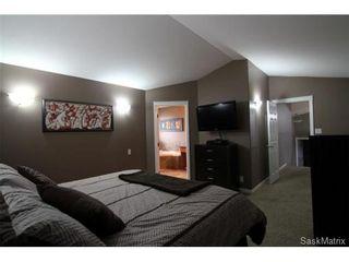 Photo 10: 355 Thode AVENUE in Saskatoon: Willowgrove Single Family Dwelling for sale (Saskatoon Area 01)  : MLS®# 460690