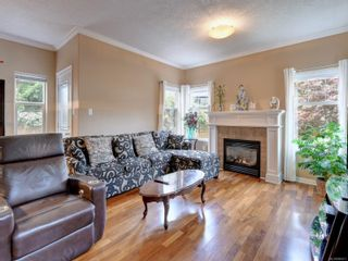 Photo 2: 2288 Selwyn Rd in Langford: La Thetis Heights House for sale : MLS®# 886611