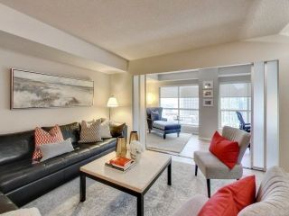 Photo 3: 25 The Esplanade Unit #2202 in Toronto: Waterfront Communities C8 Condo for sale (Toronto C08)  : MLS®# C4018167