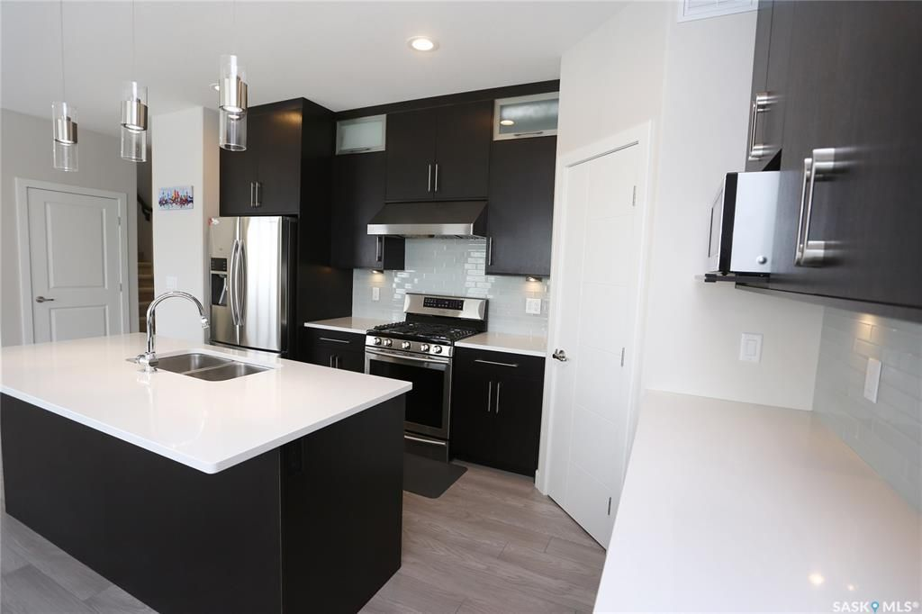 Photo 8: Photos: 230 Warder Cove in Saskatoon: Stonebridge Residential for sale : MLS®# SK843187