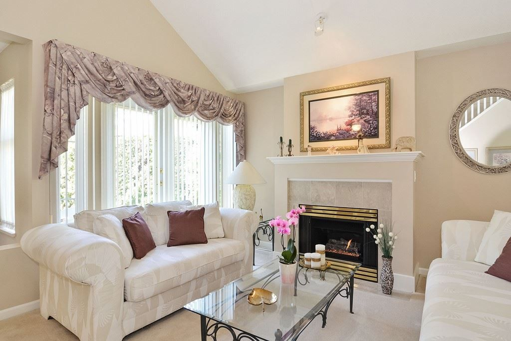 "Photo 4: Photos: 55 14877 33 Avenue in Surrey: King George Corridor Townhouse for sale in ""SANDHURST"" (South Surrey White Rock)  : MLS®# R2165648"