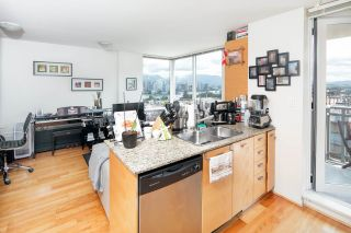 """Photo 8: 403 2483 SPRUCE Street in Vancouver: Fairview VW Condo for sale in """"SKYLINE"""" (Vancouver West)  : MLS®# R2189151"""