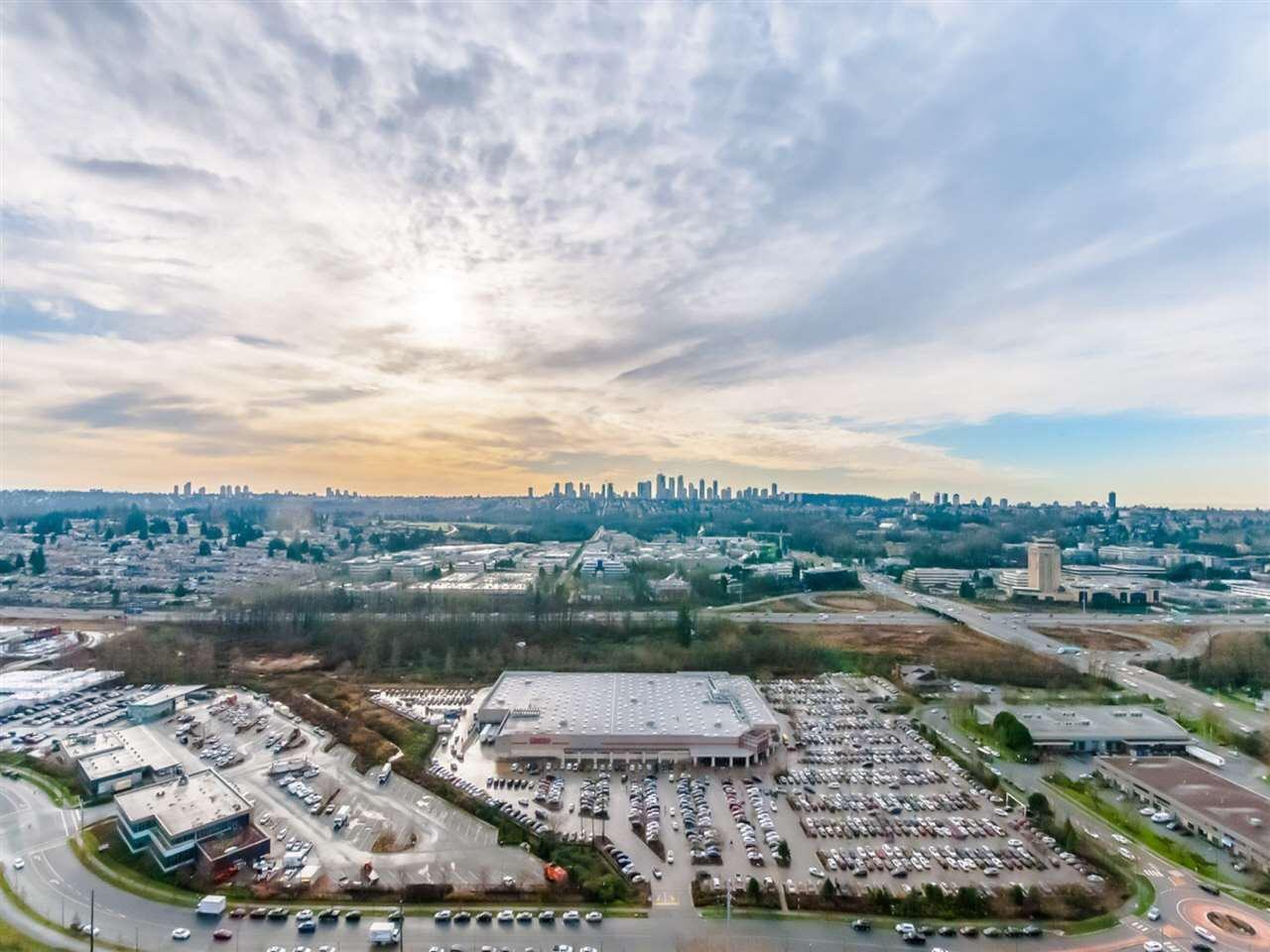 """Main Photo: 3501 2311 BETA Avenue in Burnaby: Brentwood Park Condo for sale in """"LUMINA WATERFALL"""" (Burnaby North)  : MLS®# R2524920"""
