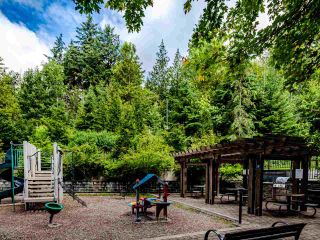 """Photo 14: 404 7418 BYRNEPARK Walk in Burnaby: South Slope Condo for sale in """"GREEN"""" (Burnaby South)  : MLS®# R2466553"""