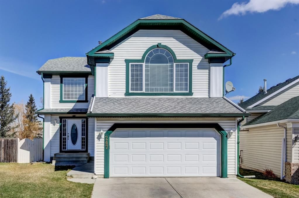 Main Photo: 247 Covington Close NE in Calgary: Coventry Hills Detached for sale : MLS®# A1097216