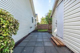 Photo 11: A 2395 Grant Ave in Courtenay: CV Courtenay City Half Duplex for sale (Comox Valley)  : MLS®# 856921
