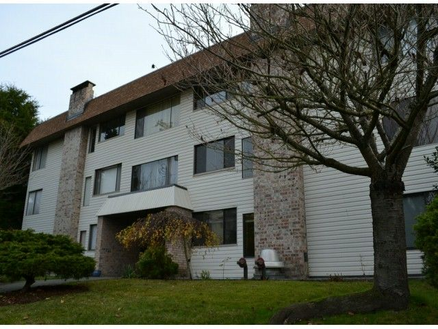 """Main Photo: 202 1410 BLACKWOOD Street: White Rock Condo for sale in """"CHELSEA HOUSE"""" (South Surrey White Rock)  : MLS®# F1228076"""