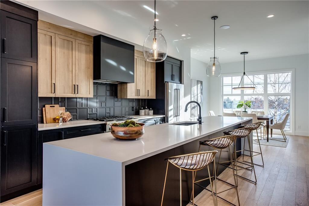 Main Photo: 2030 38 Avenue SW in Calgary: Altadore Semi Detached for sale : MLS®# C4280439