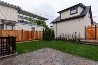 Photo 16: 958 E 38TH AVENUE in Vancouver: Fraser VE House for sale (Vancouver East)  : MLS®# R2414390