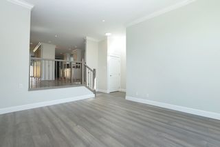 Photo 3: 268 E 9TH Street in North Vancouver: Central Lonsdale 1/2 Duplex for sale : MLS®# R2202728