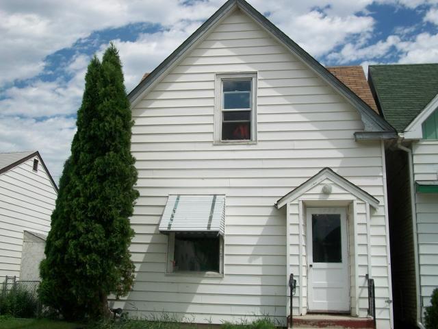 Main Photo: 1395 Ross Avenue West in WINNIPEG: Brooklands / Weston Residential for sale (West Winnipeg)  : MLS®# 1122394