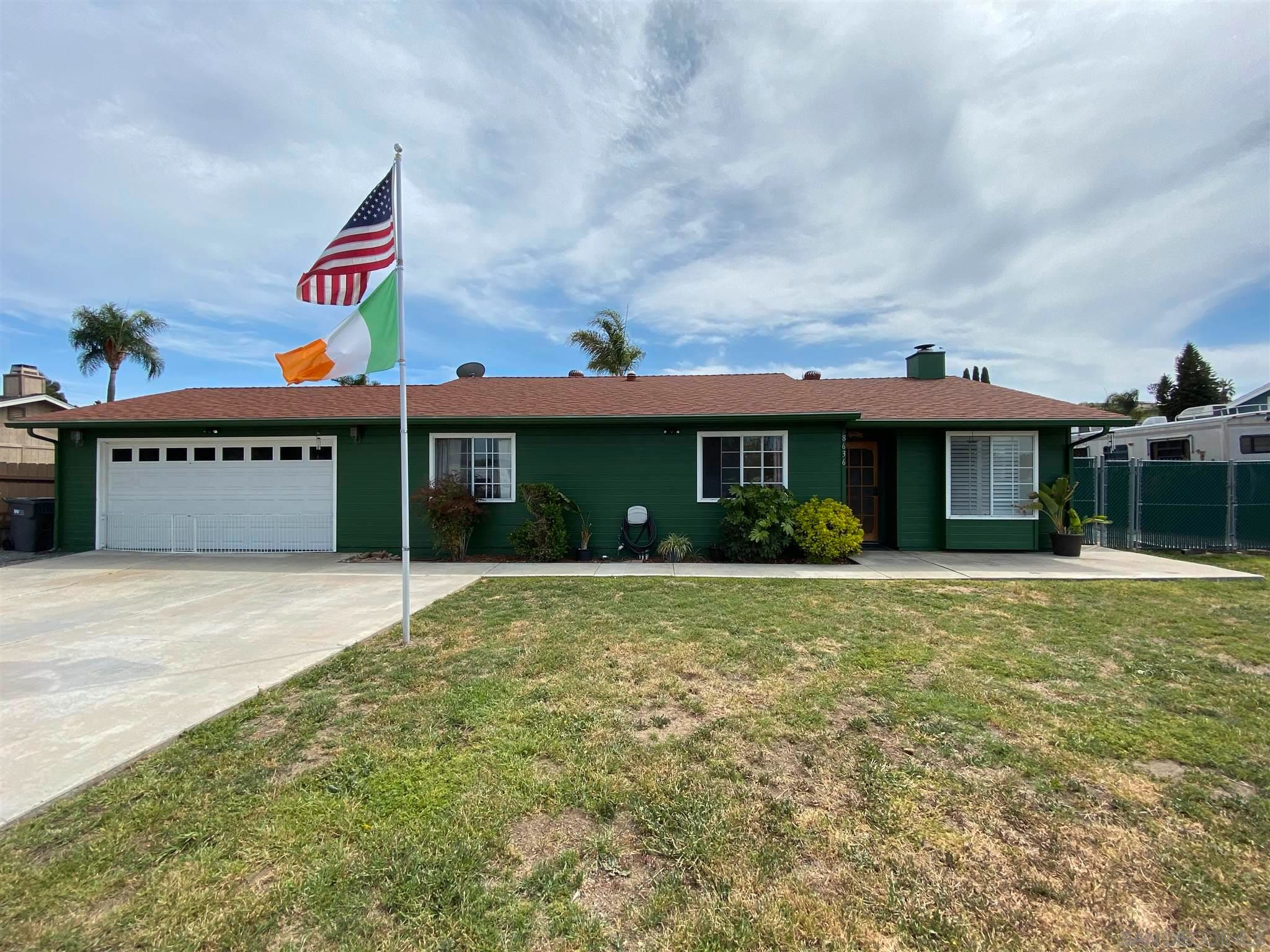Main Photo: SANTEE House for sale : 3 bedrooms : 8636 Atlas View Dr