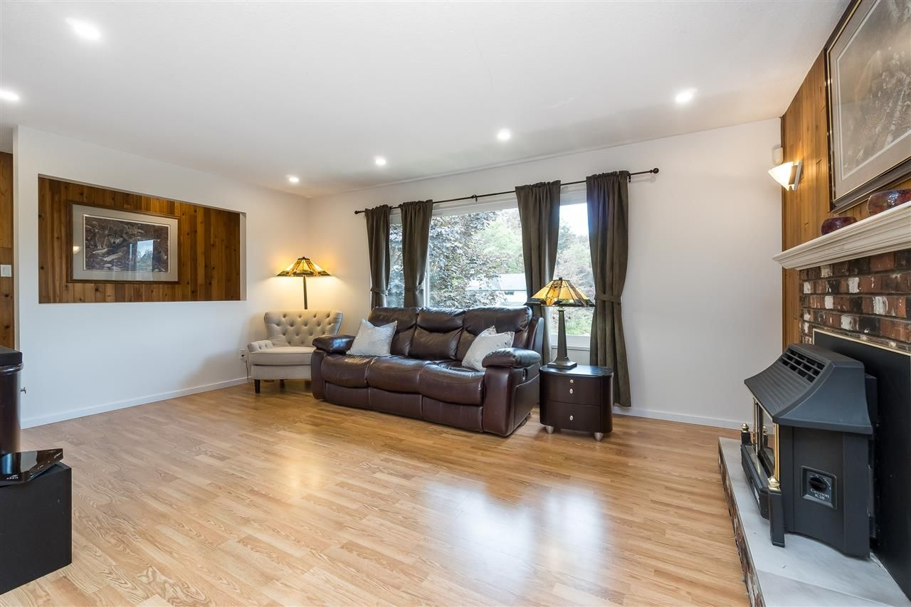Photo 13: Photos: 3124 BABICH Street in Abbotsford: Central Abbotsford House for sale : MLS®# R2480951