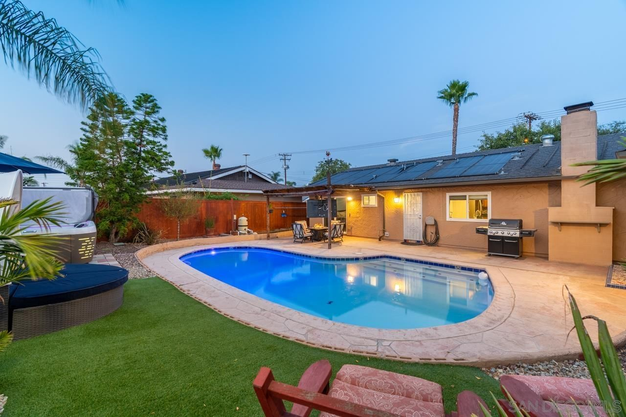 Main Photo: SANTEE House for sale : 3 bedrooms : 9350 Burning Tree Way