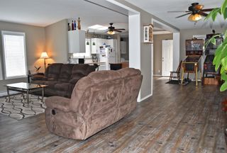 Photo 6: 79 1413 SUNSHINE COAST Highway in Gibsons: Gibsons & Area Manufactured Home for sale (Sunshine Coast)  : MLS®# R2599724