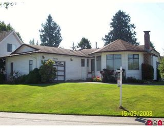 Photo 1: 20106 50A Avenue in Langley: Langley City House for sale : MLS®# F2826817