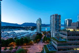 "Photo 3: 1501 1277 MELVILLE Street in Vancouver: Coal Harbour Condo for sale in ""FLATIRON"" (Vancouver West)  : MLS®# R2572328"