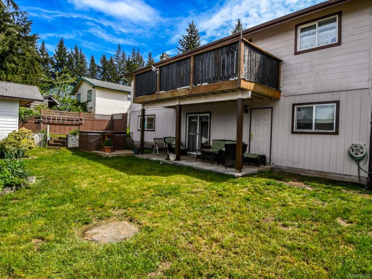 Photo 5: Photos: 1234 Denis Rd in CAMPBELL RIVER: CR Campbell River Central House for sale (Campbell River)  : MLS®# 786719