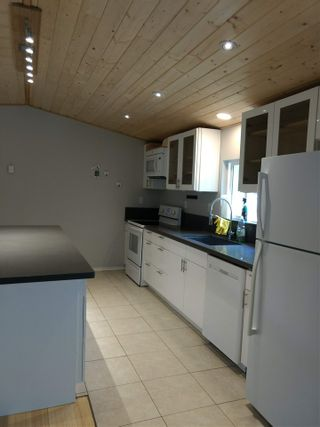 Photo 11: 5608 WAKEFIELD Road in Sechelt: Sechelt District Manufactured Home for sale (Sunshine Coast)  : MLS®# R2492795