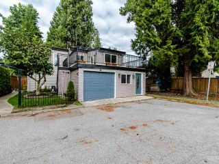 Photo 1: 3009 MAPLEBROOK Place in Coquitlam: Meadow Brook House for sale : MLS®# R2402491