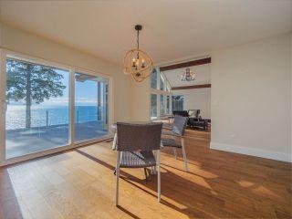 "Photo 17: 7101 DALE Road in Sechelt: Sechelt District House for sale in ""Caleda Estates"" (Sunshine Coast)  : MLS®# R2515160"