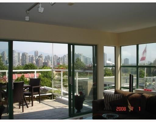 Main Photo: 2256 SPRUCE ST in Vancouver: Condo for sale : MLS®# V723685