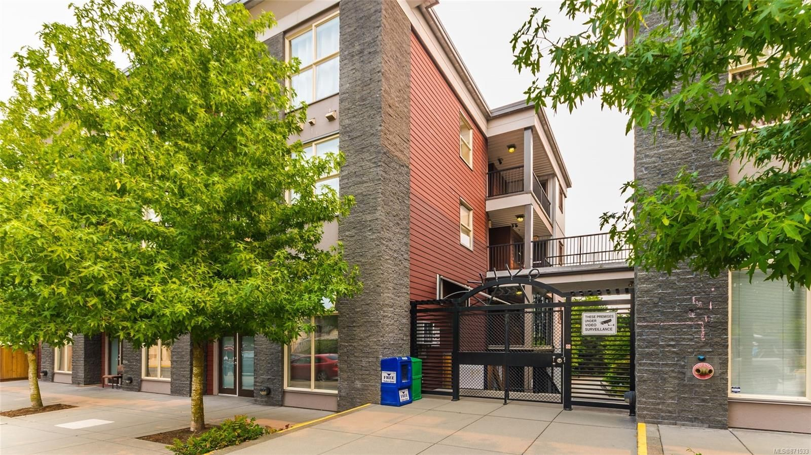 Main Photo: 324 555 Franklyn St in : Na Old City Condo for sale (Nanaimo)  : MLS®# 871533