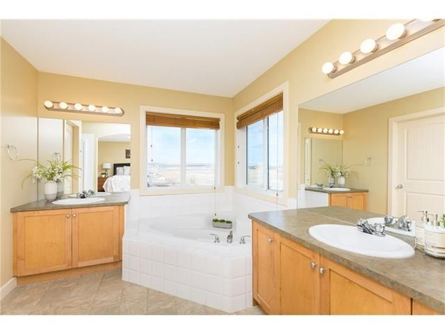 Photo 28: Photos: 664 LUXSTONE Landing SW: Airdrie House for sale : MLS®# C4106944