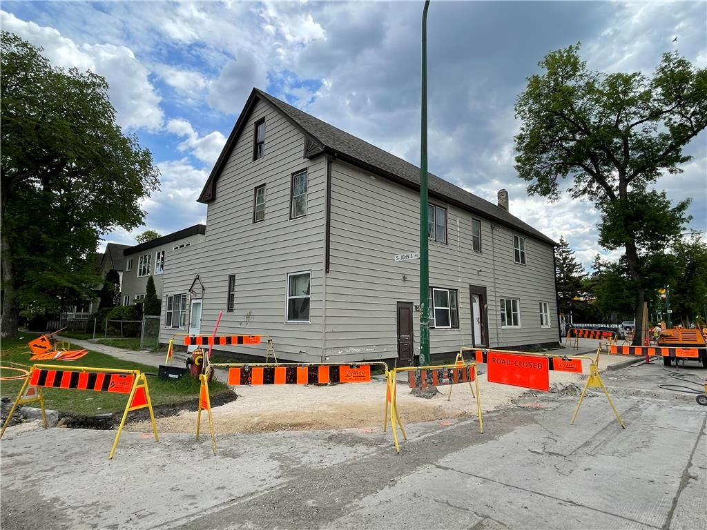 Main Photo: 408 St John's Avenue in Winnipeg: Industrial / Commercial / Investment for sale (4C)  : MLS®# 202113575