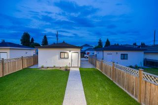 Photo 19: 8023 16TH AVENUE in Burnaby: East Burnaby House for sale (Burnaby East)  : MLS®# R2436305