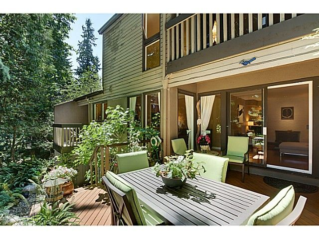 "Main Photo: 1065 HERITAGE Boulevard in North Vancouver: Seymour Townhouse for sale in ""HERITAGE IN THE WOODS"" : MLS®# V1026380"