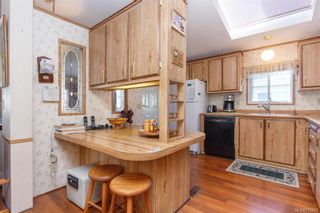 Photo 10: 5 1536 Middle Rd in View Royal: VR Glentana Manufactured Home for sale : MLS®# 775203