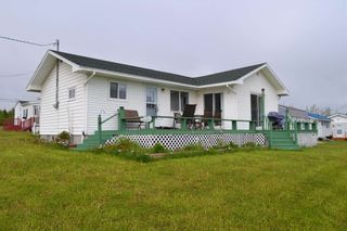 Photo 3: 11 Greeno Beach Road in Amherst Shore: 102N-North Of Hwy 104 Residential for sale (Northern Region)  : MLS®# 202113554