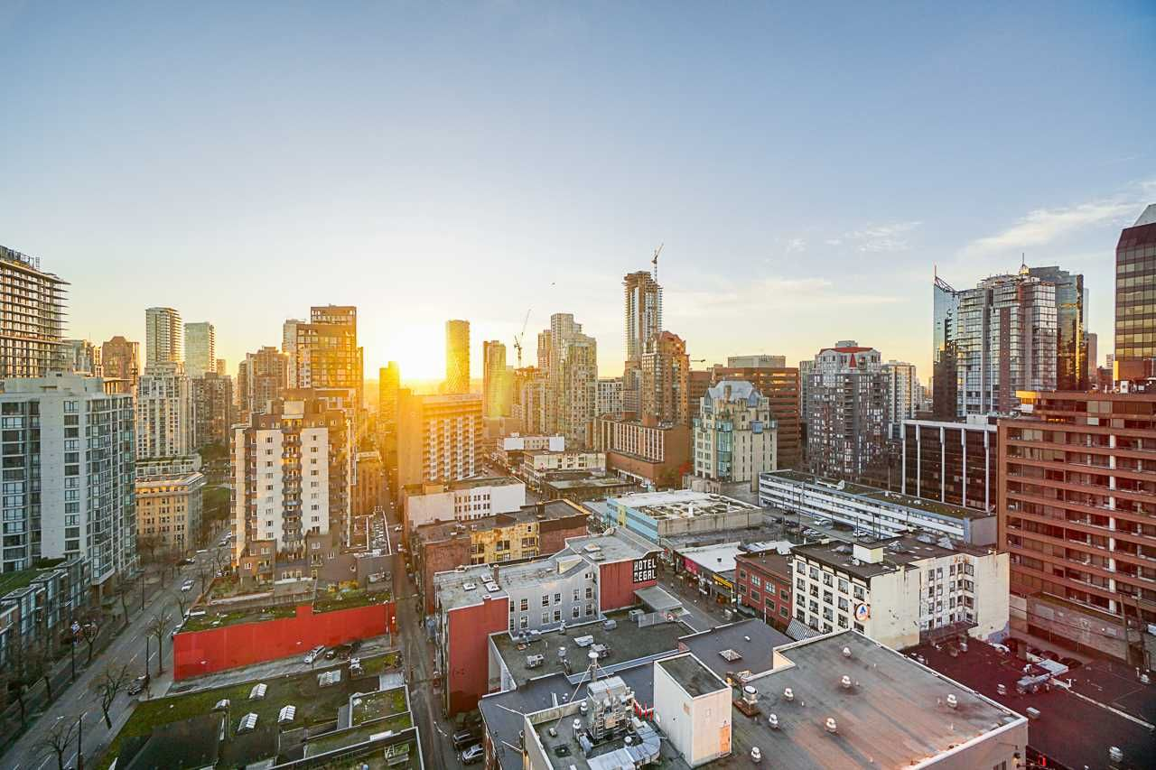 """Main Photo: 2207 999 SEYMOUR Street in Vancouver: Downtown VW Condo for sale in """"999 Seymour"""" (Vancouver West)  : MLS®# R2521915"""