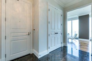 Photo 2: 2402 183 W Wellington Street in Toronto: Condo for lease (Toronto C01)  : MLS®# C3690976