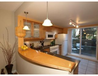 Photo 6: 14 288 ST DAVIDS Avenue in North_Vancouver: Lower Lonsdale Townhouse for sale (North Vancouver)  : MLS®# V764880
