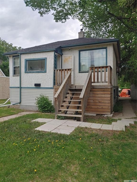 Main Photo: 1424 2nd Avenue North in Saskatoon: Kelsey/Woodlawn Residential for sale : MLS®# SK858762