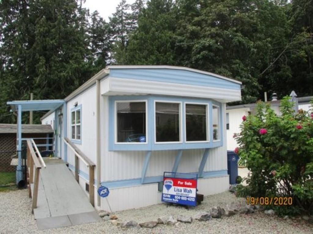 "Photo 1: Photos: 9 4514 SUNSHINE COAST Highway in Sechelt: Sechelt District Manufactured Home for sale in ""PONDEROSA PINES MOBILE HOME PARK"" (Sunshine Coast)  : MLS®# R2487298"