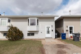 Photo 4: 106-108 Hedley Street in Saskatoon: Forest Grove Residential for sale : MLS®# SK850638